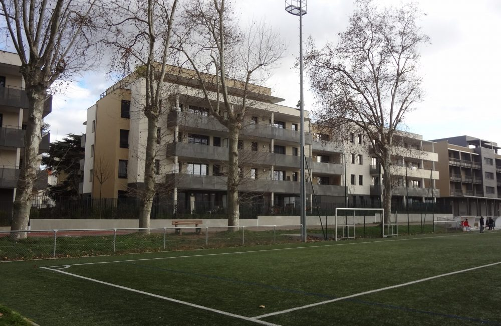 Projet immobilier neuf 1084 vue stade 1